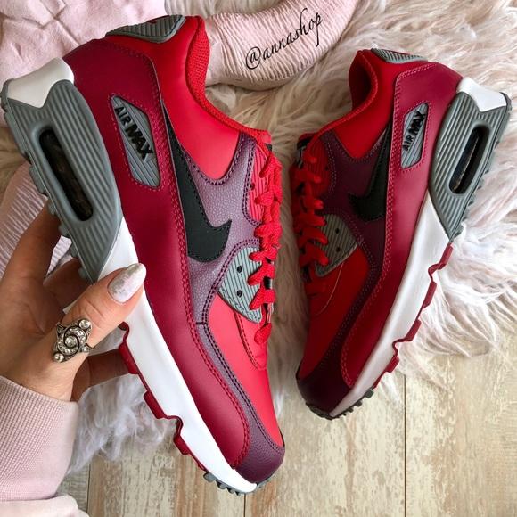 9b240b7acc0 NWT Nike Air Max 90 gym red